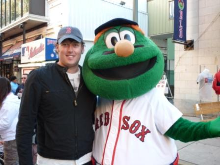 Red_Sox_Green_Monster_Photo_October_2010.JPG